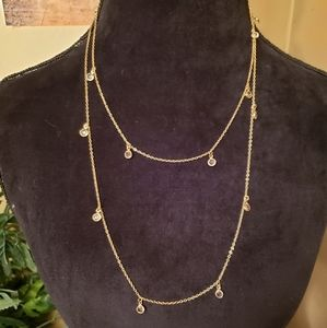 Beautiful gold 2 layer necklace with crystal drops